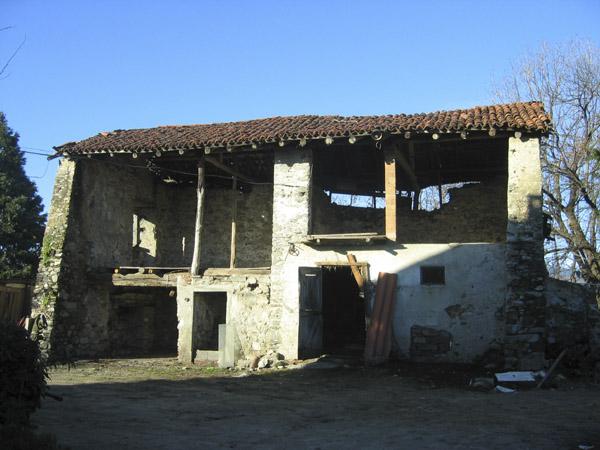Ristrutturazione di un fienile sotto la vernice for Progetti di piani casa fienile